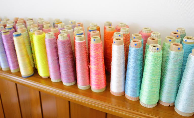 手染めのシルク糸